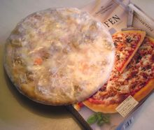 Deep frozen pizza. Wikipedia.