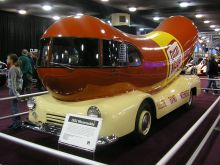 "Oscar Mayer's ""Wienermobile"", 1952, at NAIAS, 2005. Wikipedia."